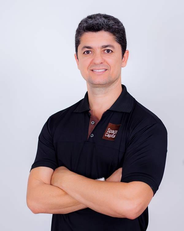Alécio Omar - Cabeleireiro