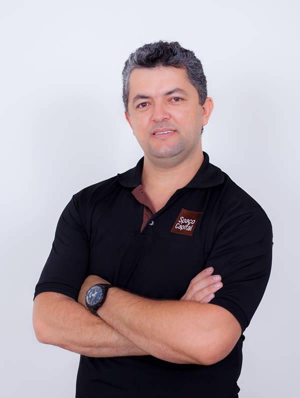Alex Damiani - Cabeleireiro